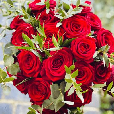 Valentine Classic Red Roses 3